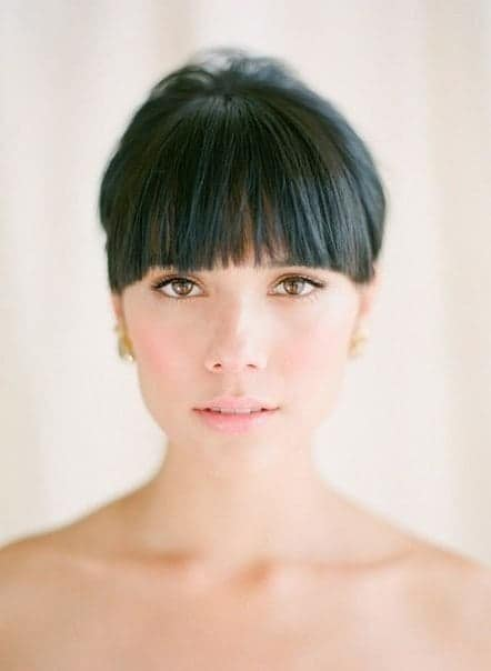 short hairstyles for round faces black