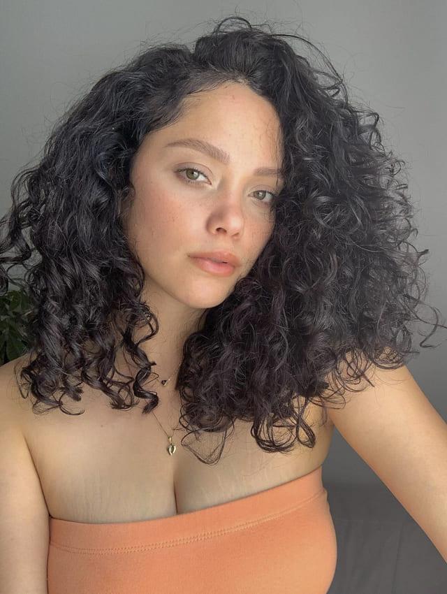 latin women short bob curly hairstyles