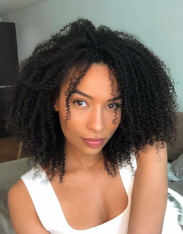 medium curly black women hairstyles