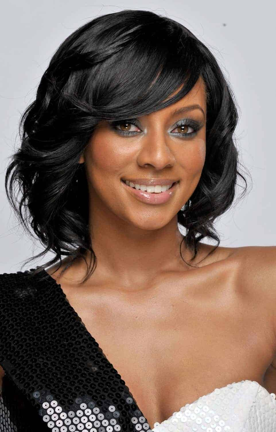 Short Black Women hairstyles with Layered
