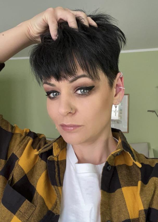short pixie black hairstyles