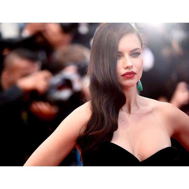 Adriana lima long wavy hairstyles for 2018