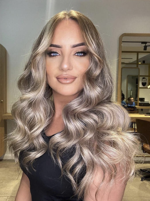 Awesome long blonde wavy hairstyles