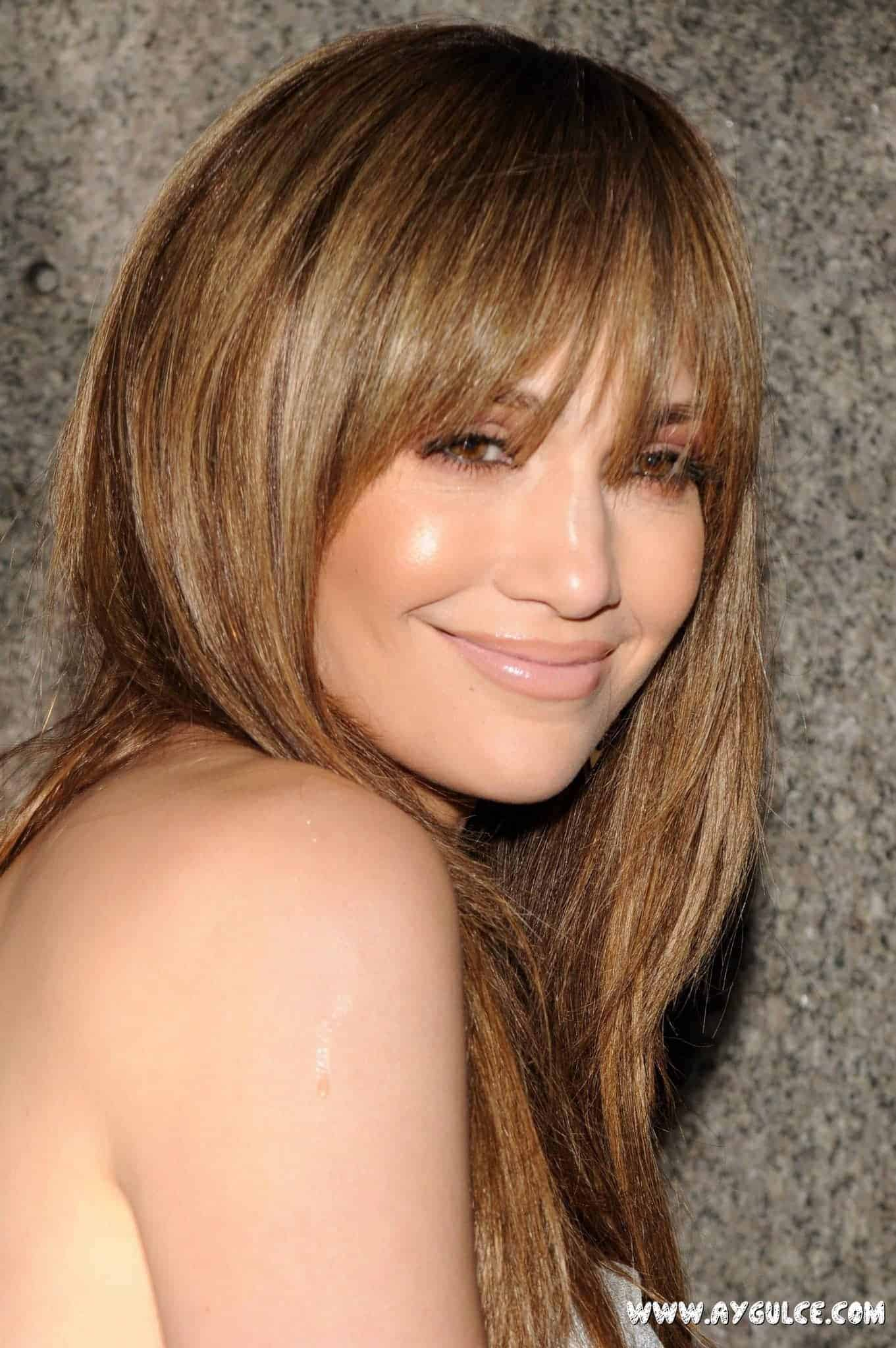 2015s-most-popular-straight-hairstyles-with-bangs
