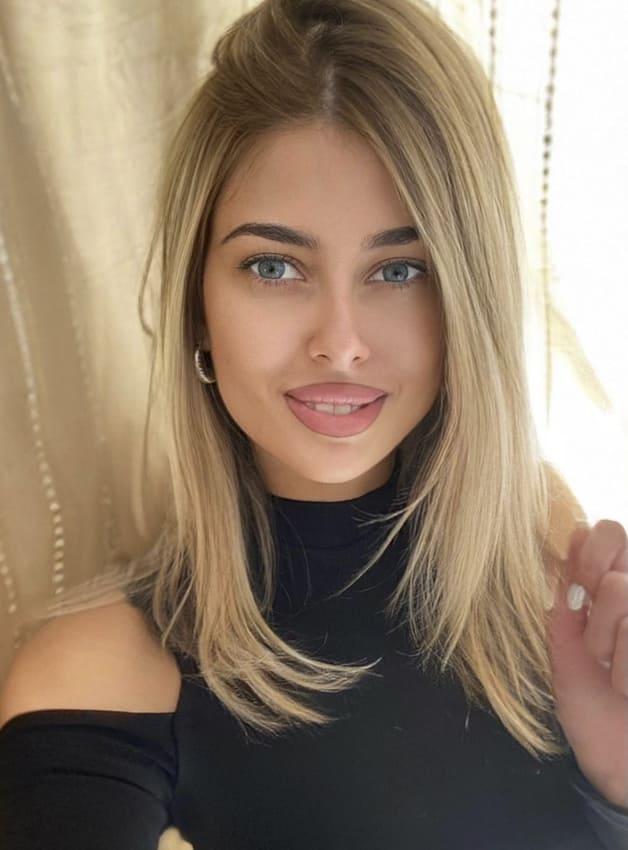 Medium blonde ombre layered hairstyes