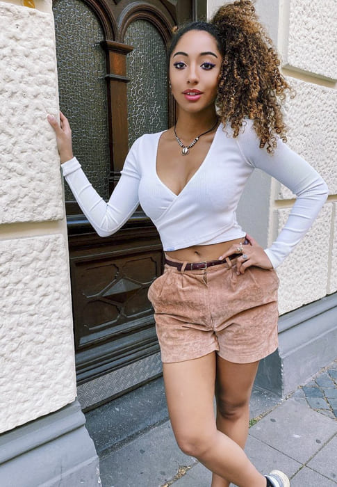 Ombre brown long curly hairstyles for afro girls