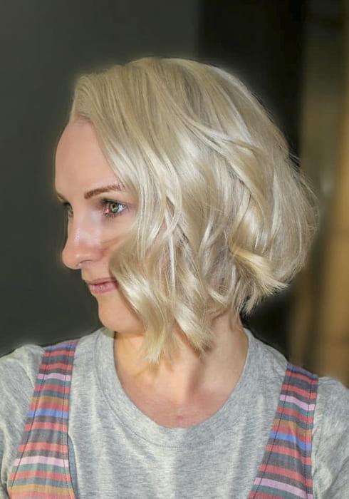 Short Platinum blonde chin length hairstyles