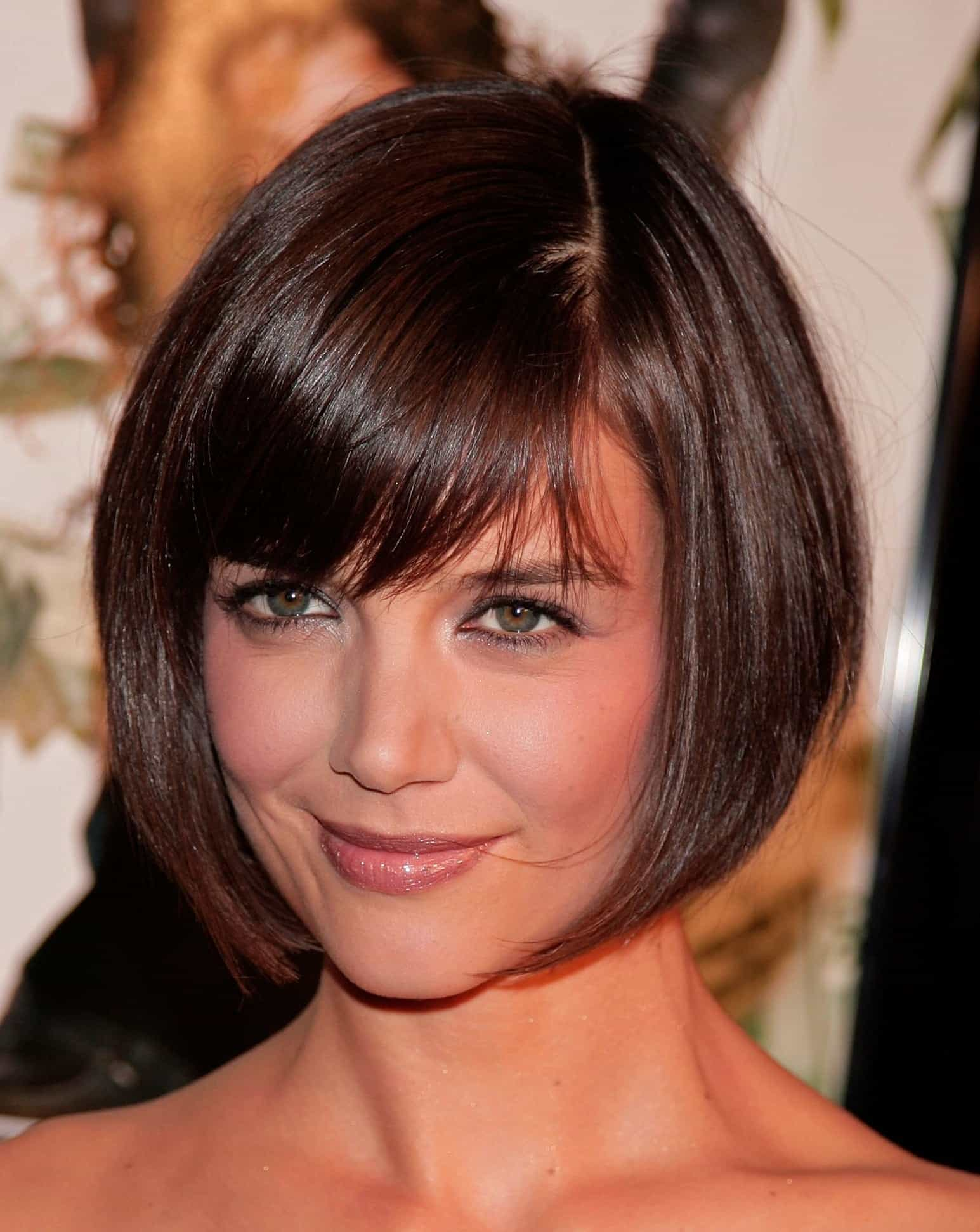 Short Bob hairstyles with chin lenght and thick hair