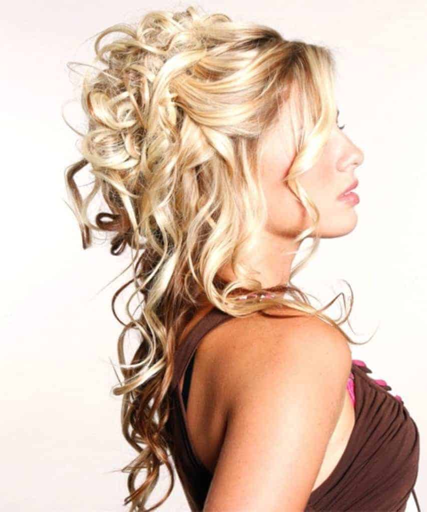 Curly hairstyles for blonde women