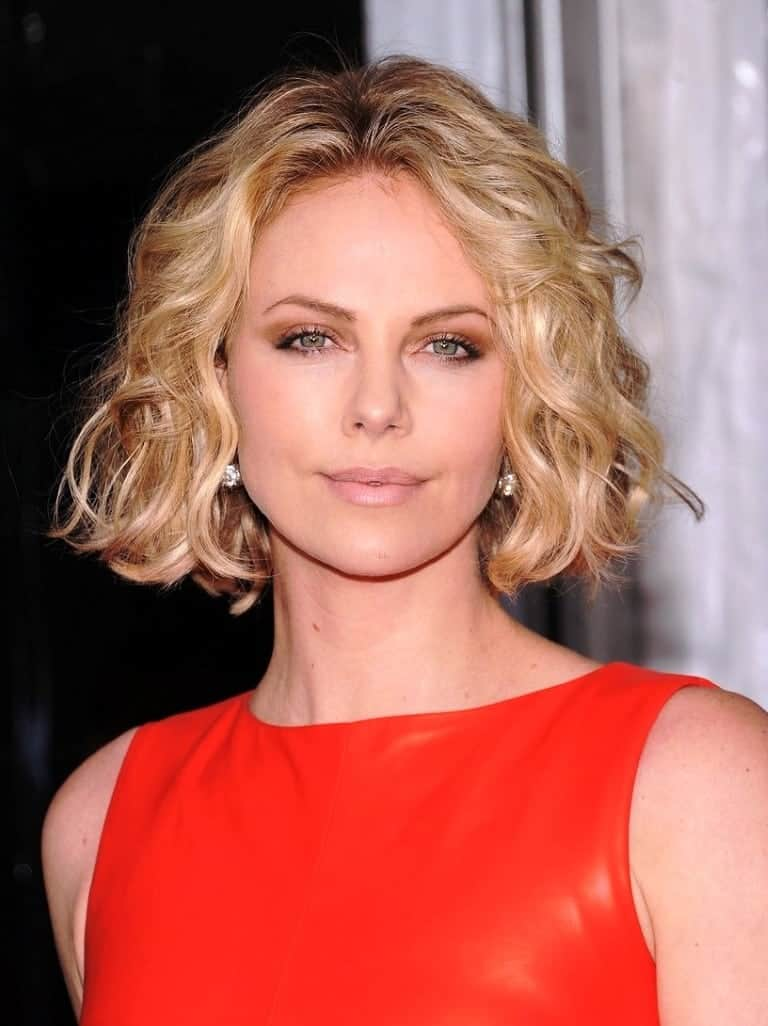 is curly hair in style 2014 wavy hairstyles 2015 womenstyles 4765