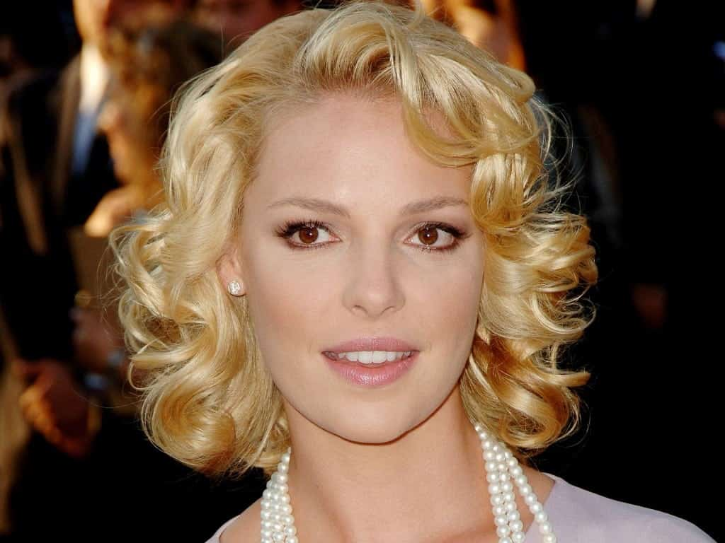 Medium layered hairstyles for blonde hair