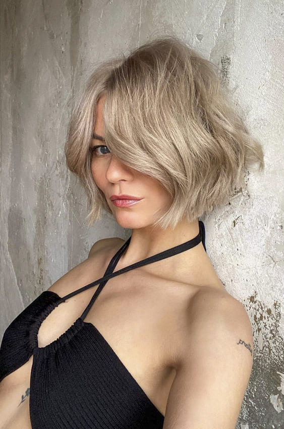 Cute short blonde bob layered hairstyles