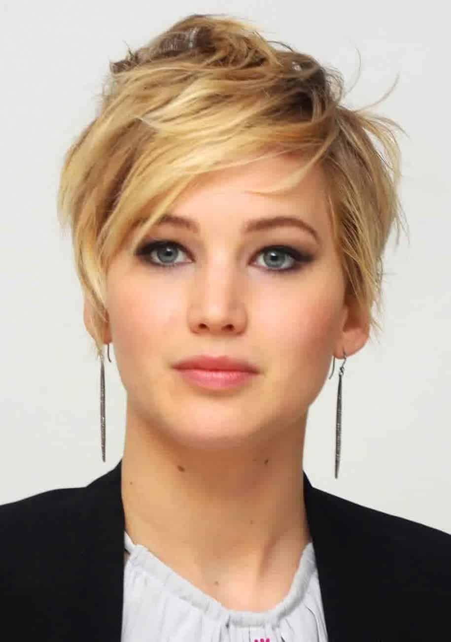 Jennifer Lawrence Short pixie messy hairstyles