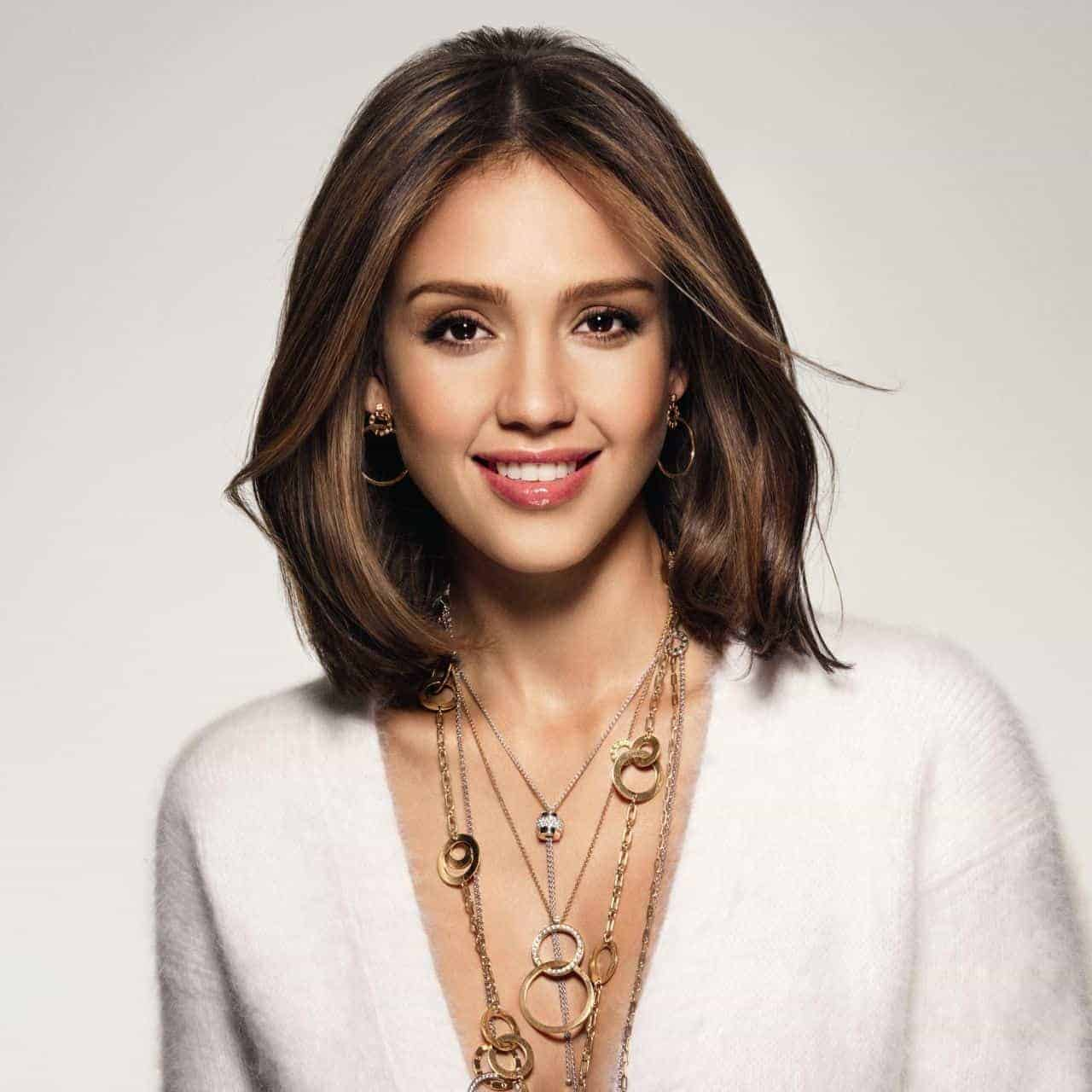 Jessica Alba Medium hairstyles for oval faces