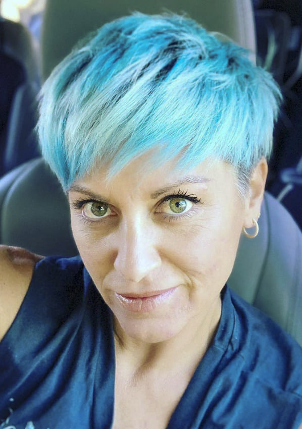 Blue Pixie hairstyles for women