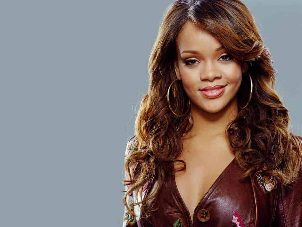 Rihanna wavy hairstyles with bang