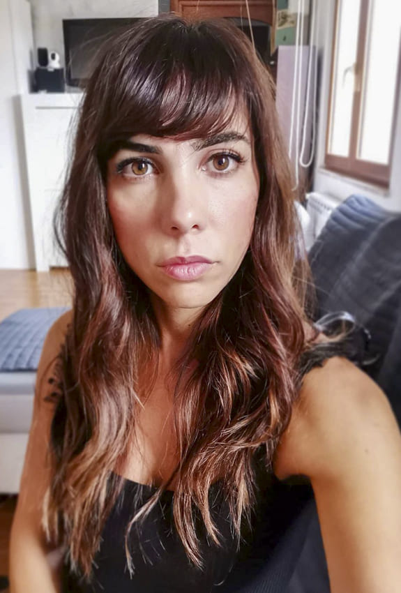 Long layered hair with bangs hairstyles for oval faces