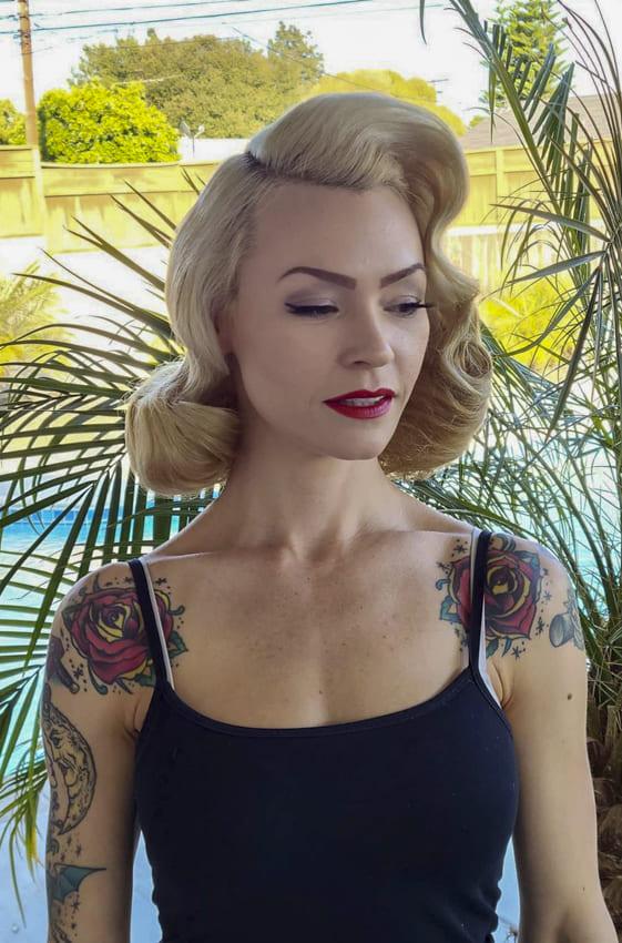 Medium bob blonde vintage hair