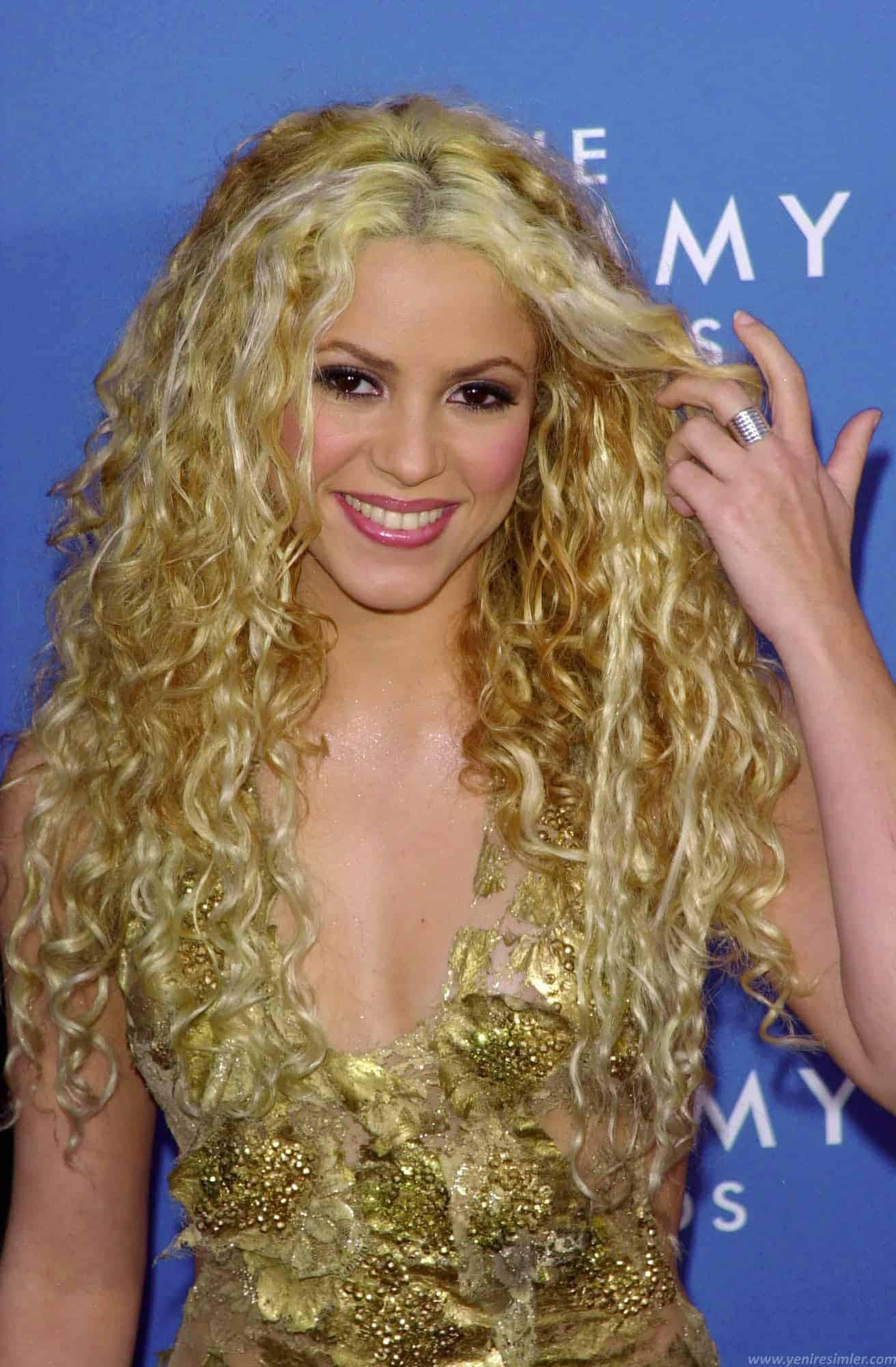 Shakira Curly Hairstyles new