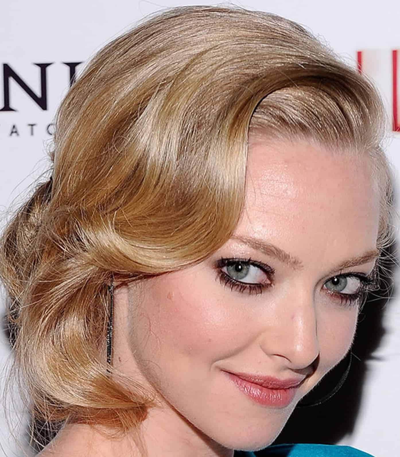 Retro hairstyles for short hair blonde women
