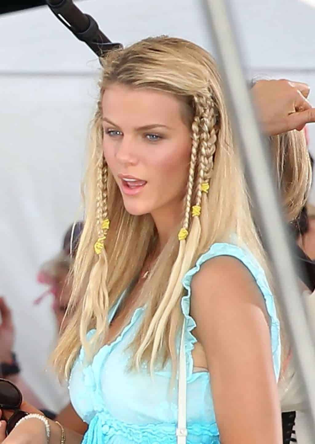 Messy hairstyles for blonde women