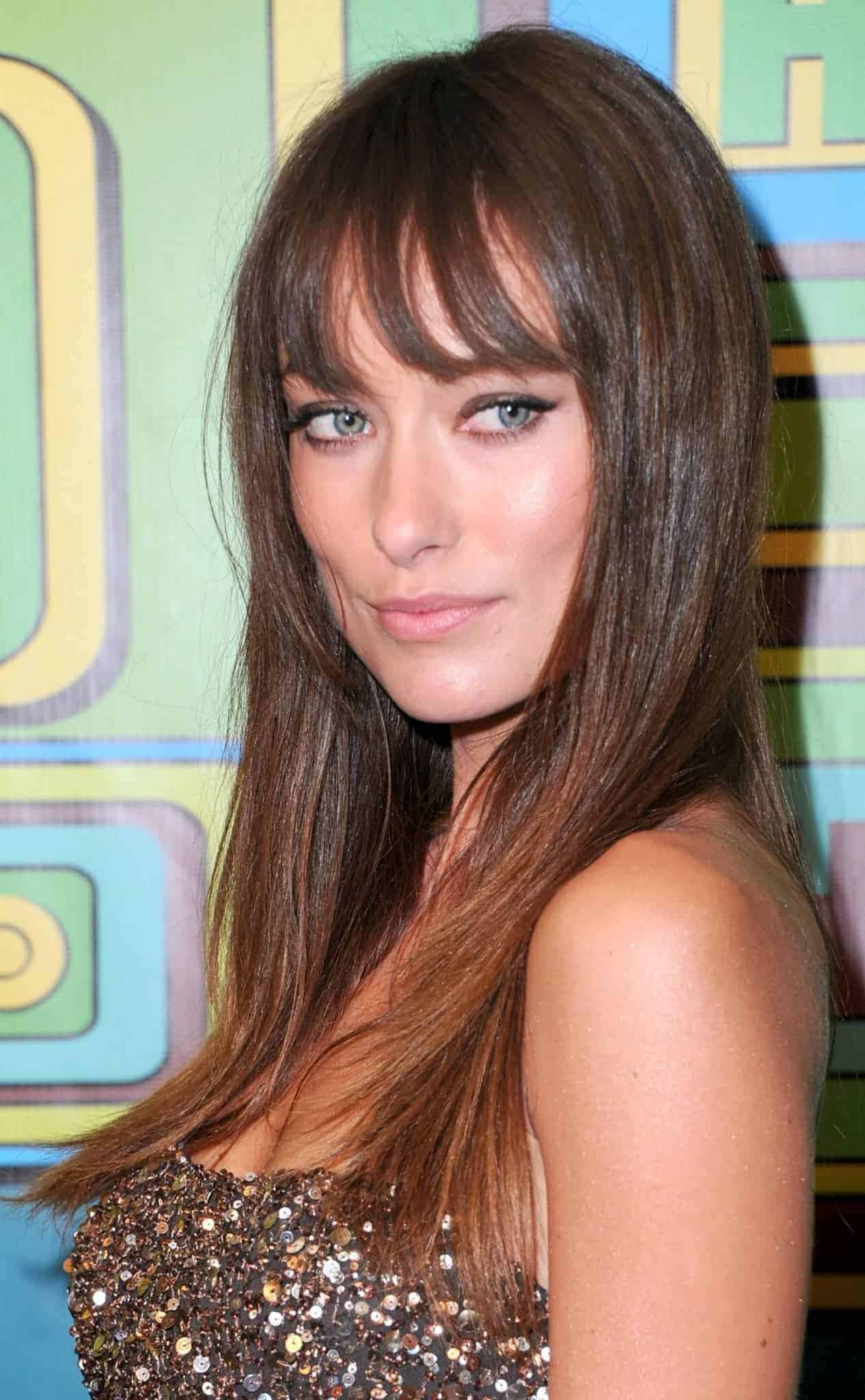 Long staight hairstyles with bangs