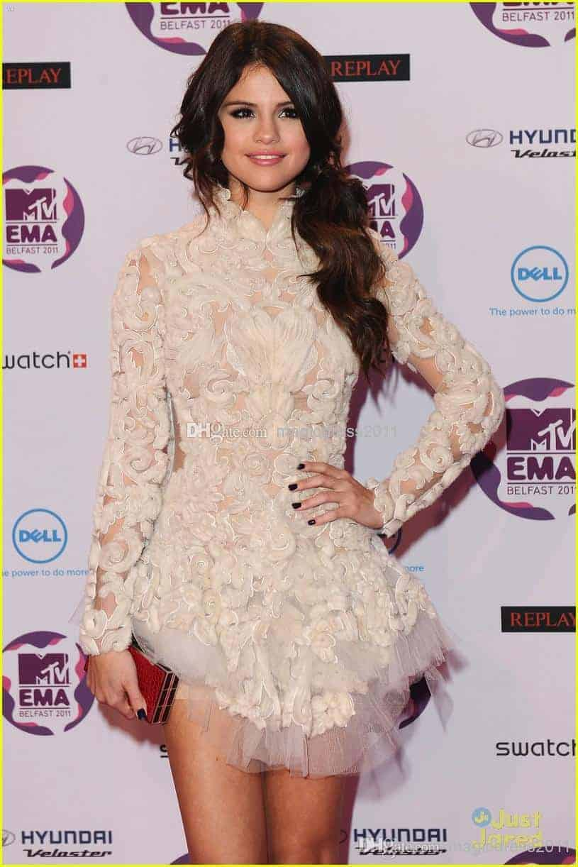 Selena gomez night dresses white color evening prom