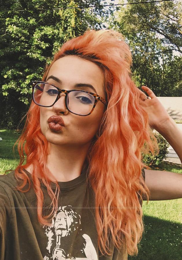 25 Stylish Medium Hairstyles for lovely Women (1)