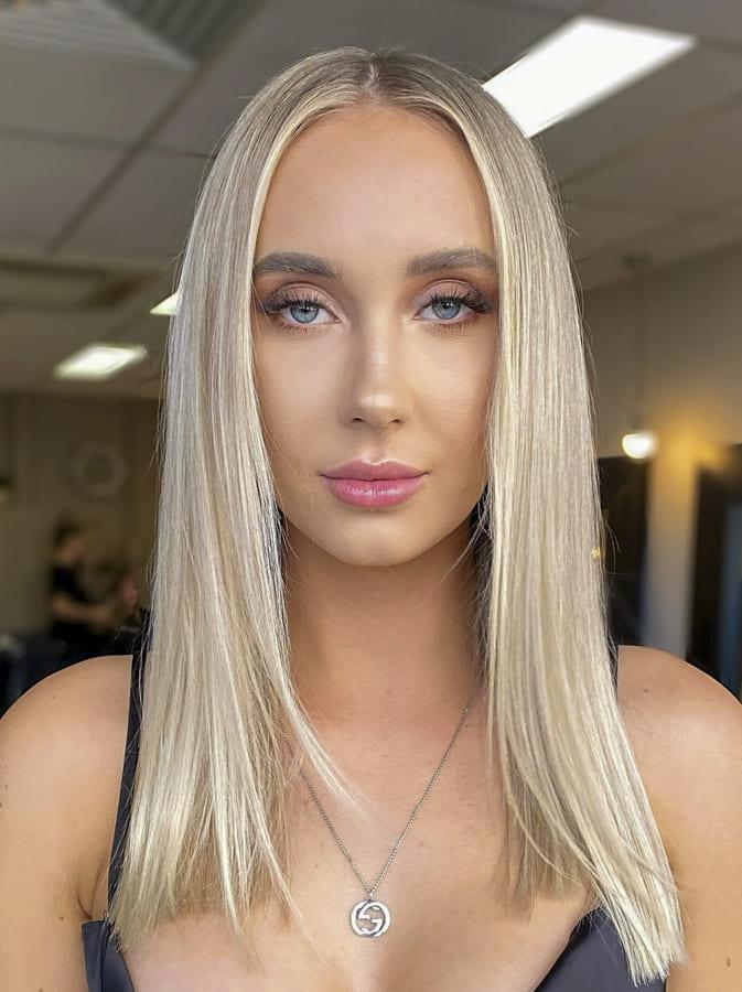 25 Stylish Medium Hairstyles for lovely Women (8)