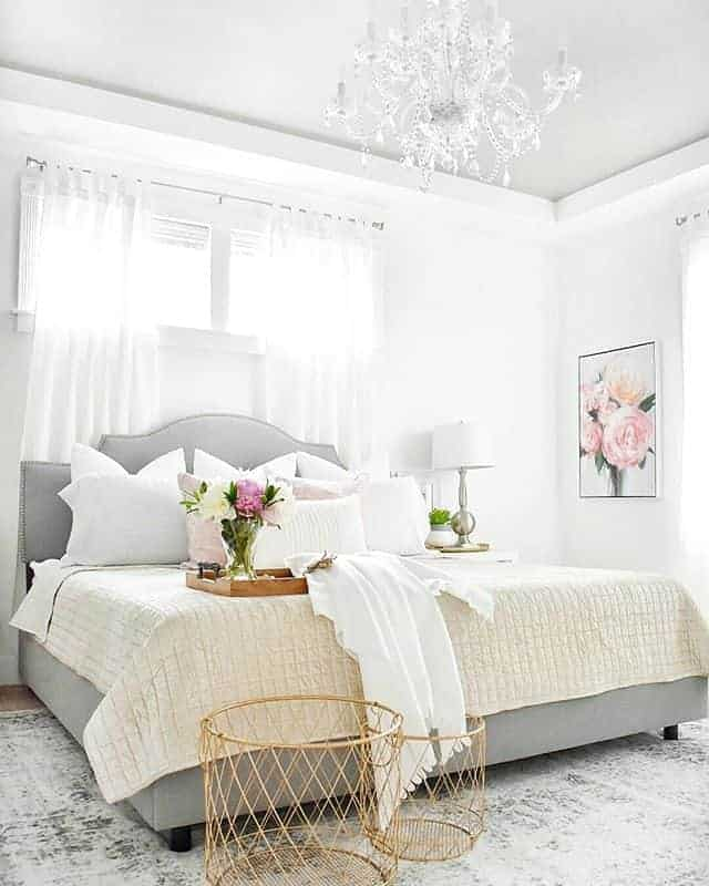 Simple White bedroom design