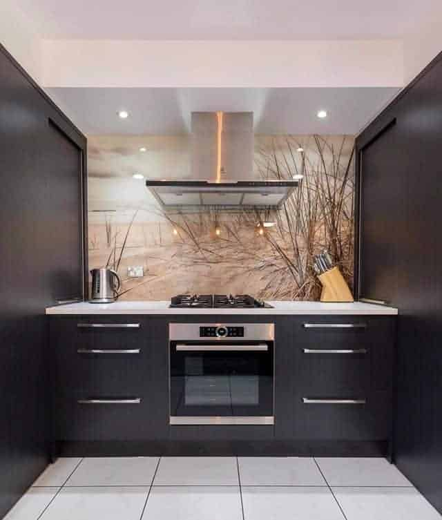 Small and black kitchen designs