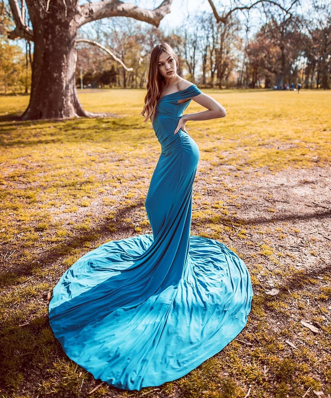 Bridesmaids Long turquoise dresses