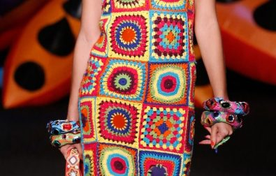 awesome-crochet-granny-square-dresses-ideas-for-summer