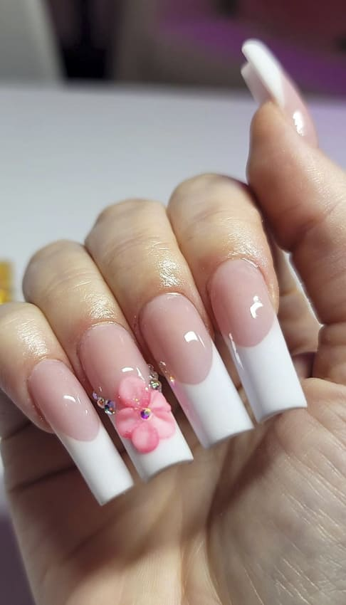 White and pink flower summer nails design ideas