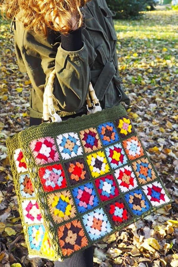 Little Granny Square Crochet Bags (1)