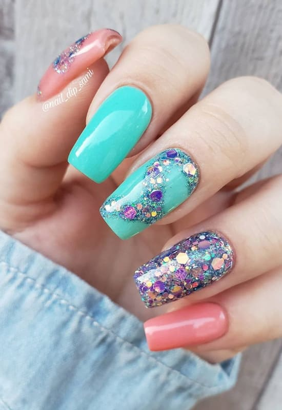 Different dcolor glitter ombre nails