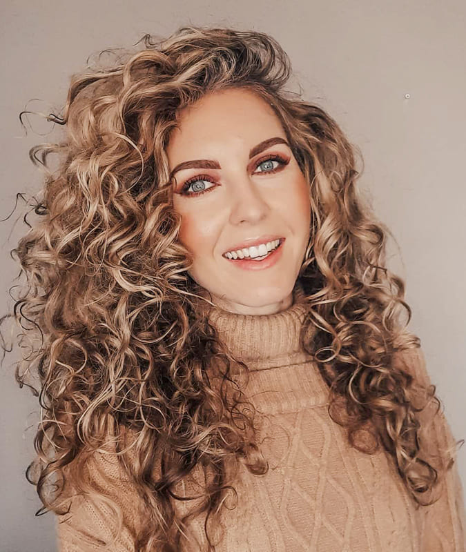 Long blonde curly hair for over 35