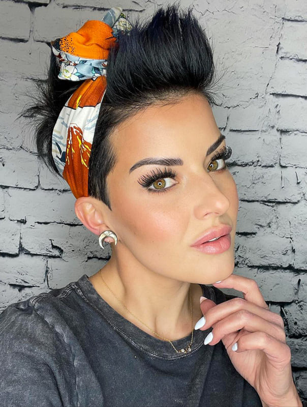 Short hairstyles with bandana