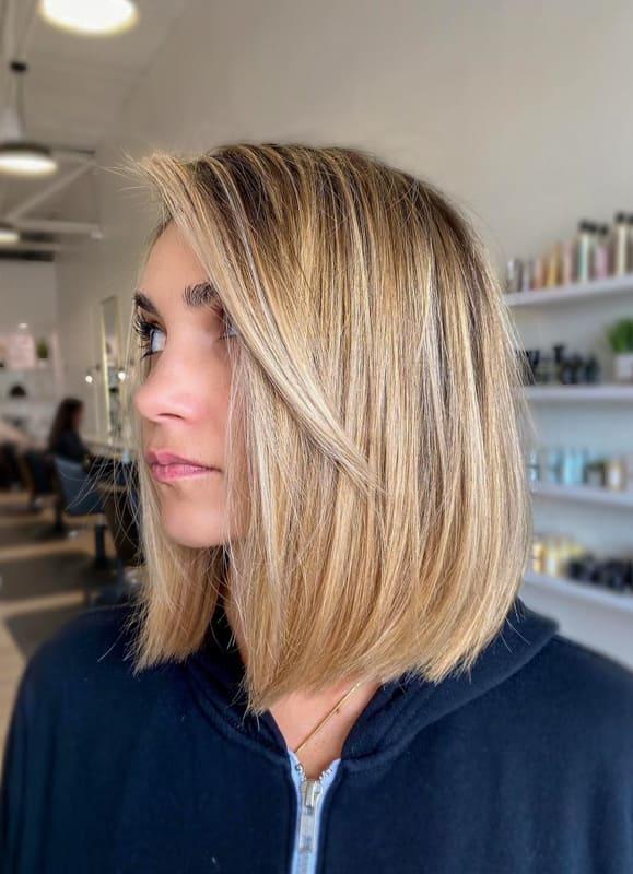 Short straight blonde bob hair