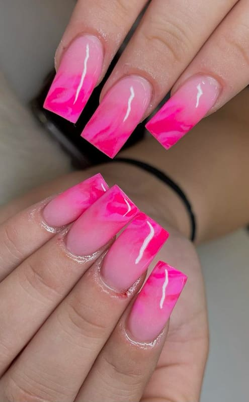Soft and dark pink ombre nails