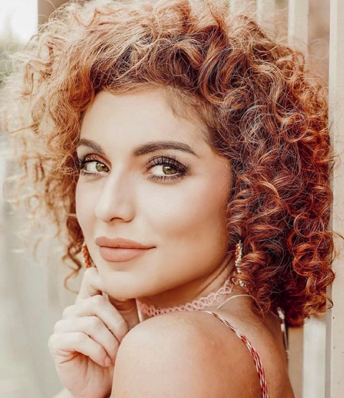 short curly hairstyles over 30 age