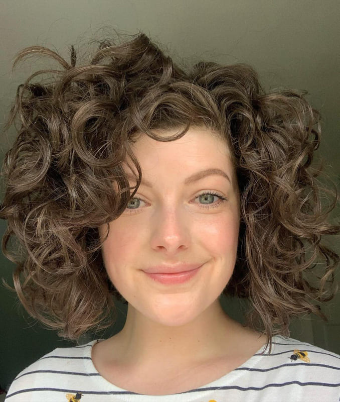 short curly hairstyles with big curls