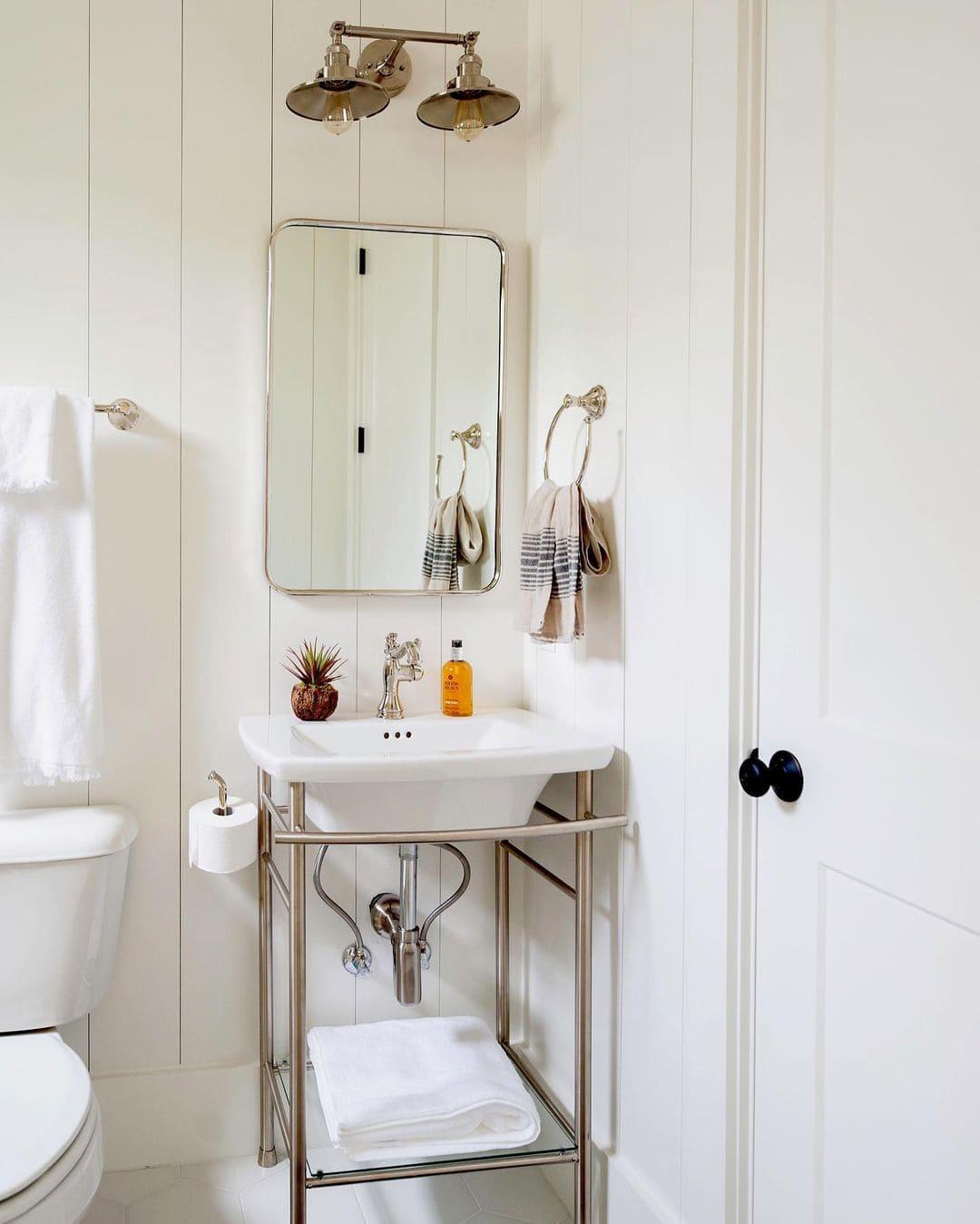 white bathroom furniture (1)