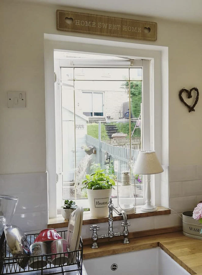 Kitchen Window Designs - Small Kitchen Window