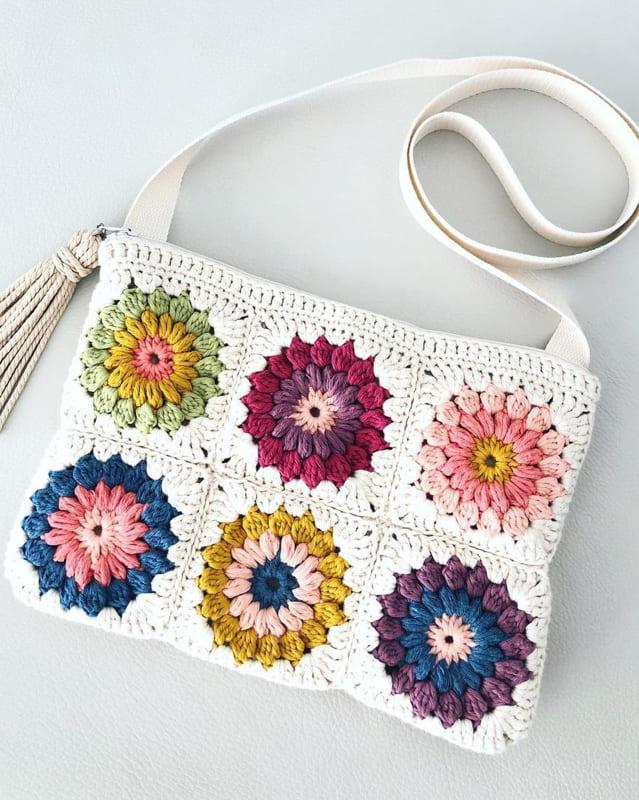 White and colorful granny square crochet bag