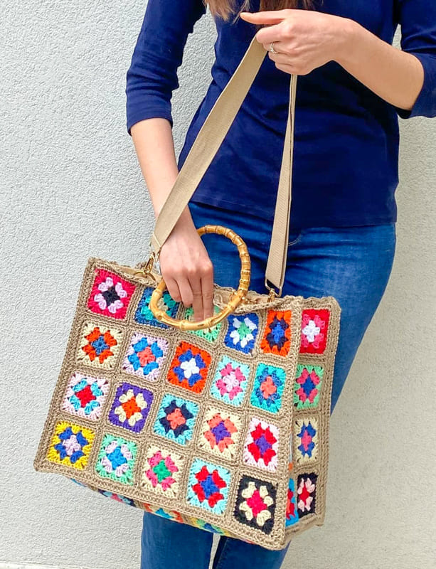awesome daily useful granny square crochet bag