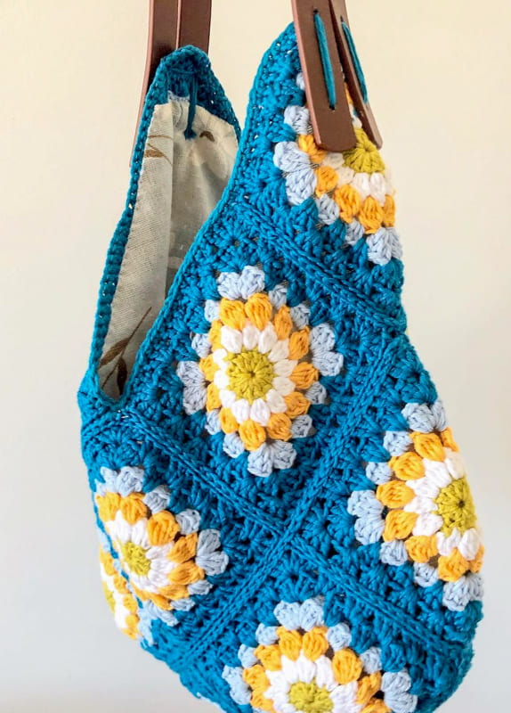 bazar granny square crochet bag