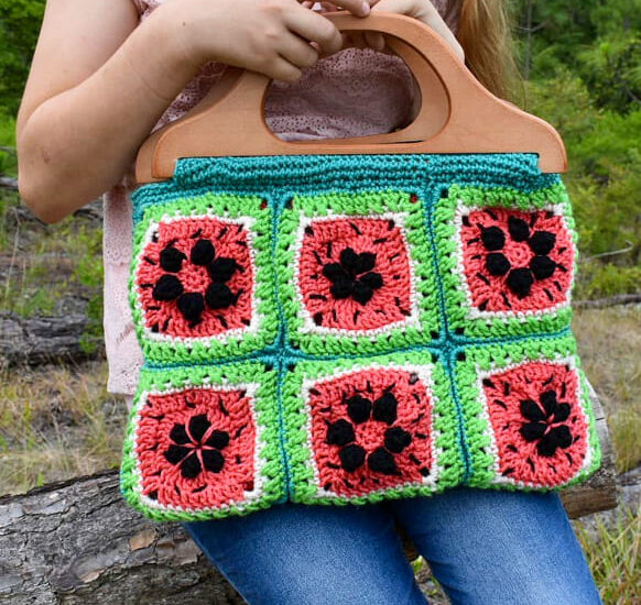 green awesome granny square crochet bag