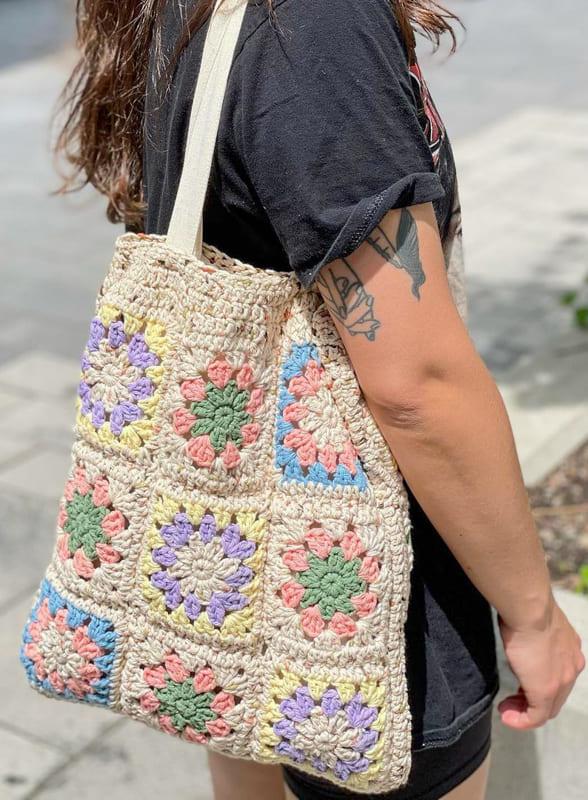summer beach granny square crochet bag