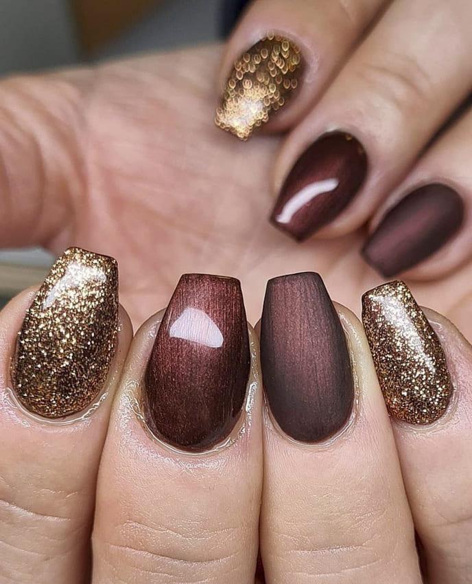 Acrylic metallic nails